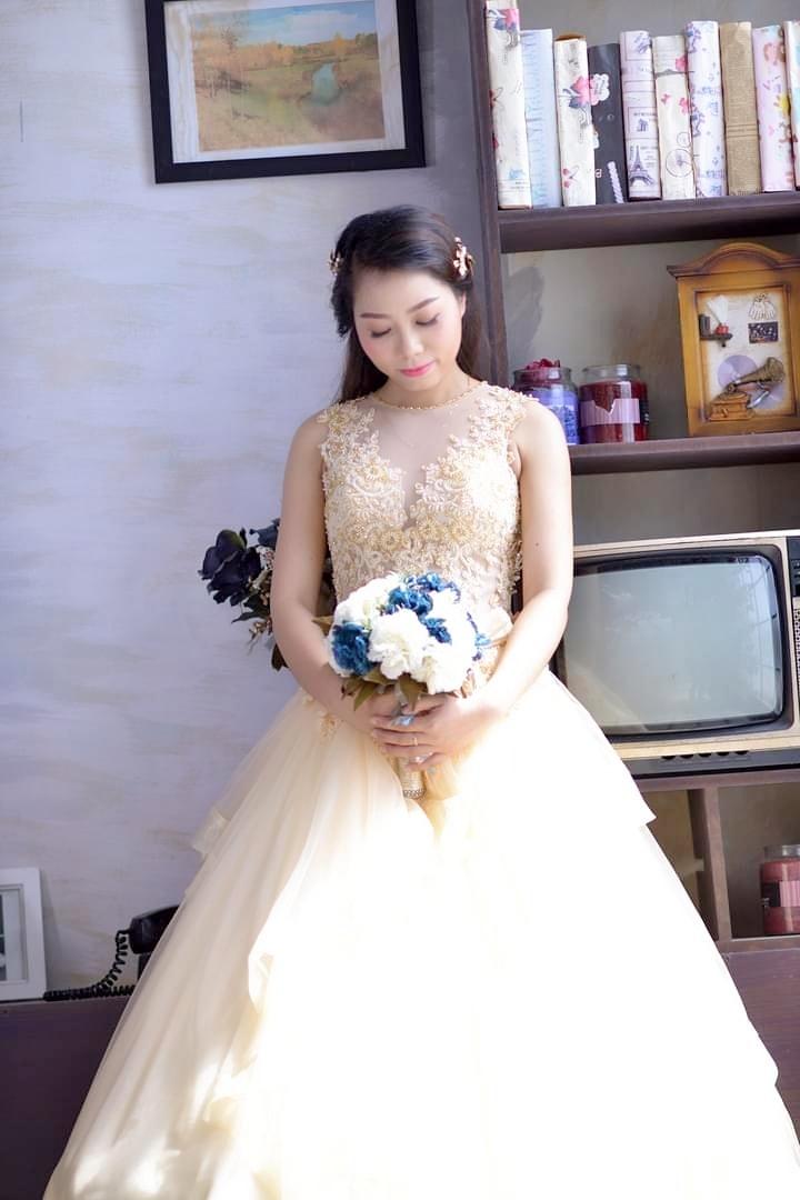 Doanh nhân Nhi Trần lung linh với ảnh cưới
