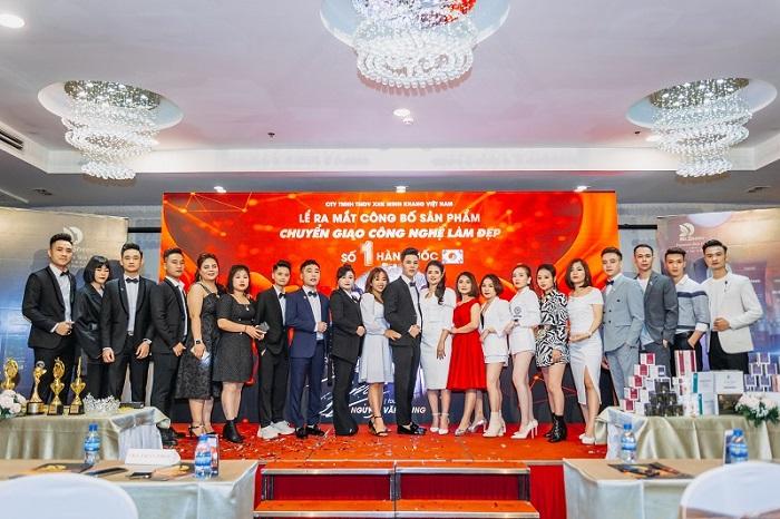 Đội ngũ ban quản trị, nhân viên kinh nghiệm trong ngành làm đẹp tại thẩm mỹ Mr Sheeo
