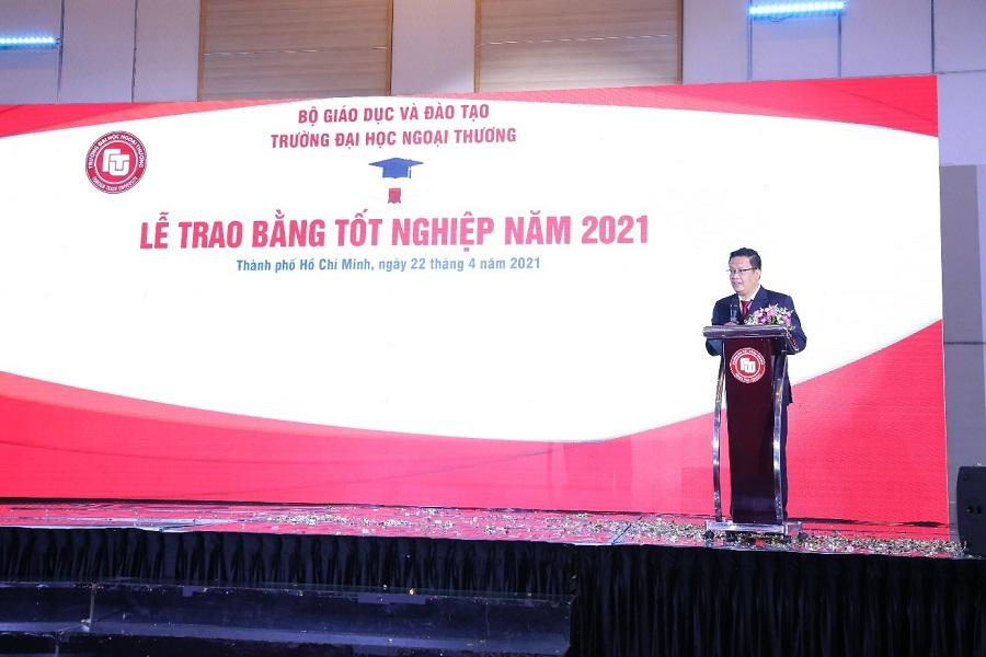 PGS, TS Nguyễn Xuân Minh – Giám đốc Cơ sở II báo cáo kết quả đào tạo