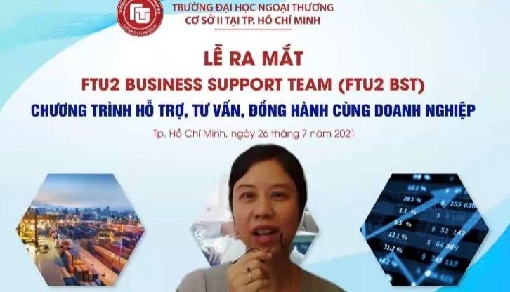 Bà Lê Bích Trân – Giám đốc phát triển khối giáo dục ICAEW Việt Nam – Đại diện doanh nghiệp trao đổi với tổ tư vấn