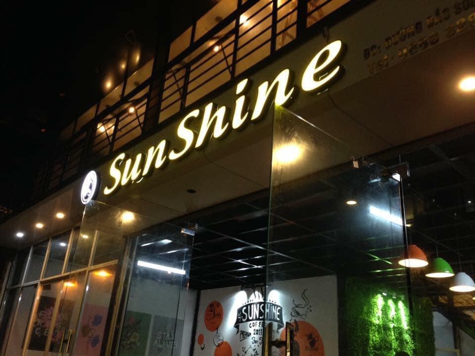 Khởi nghiệp với 2 cửa hàng cà phê Sunshine và Sweet House